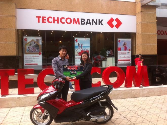 Techcombank chuc mung khach hang trung xe AirBlade hinh anh