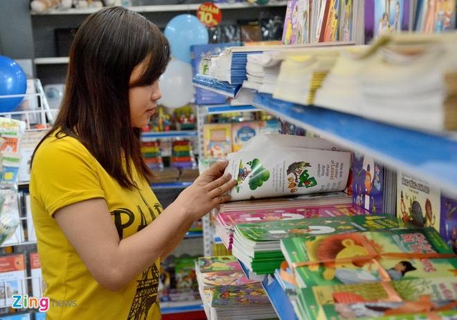 Giam gia hon 10.000 cuon sach cho ban doc o Sai Gon hinh anh 6 Các bạn trẻ cũng quan tâm đến ngày hội.