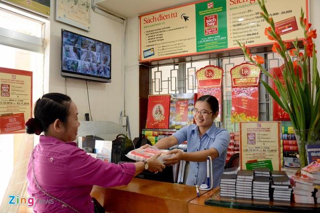 Giam gia hon 10.000 cuon sach cho ban doc o Sai Gon hinh anh 8 Tuần lễ sách là một hoạt động ý nghĩa, trở thành món ăn tinh thần vô giá của nhiều độc giả.