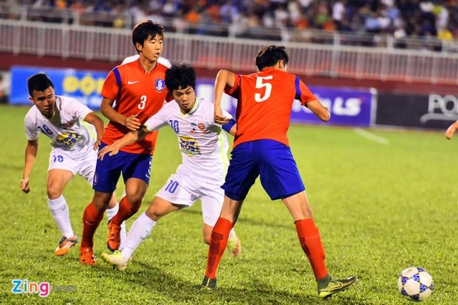 Cong Phuong va dong doi be tac trong vong vay U19 Han Quoc hinh anh 2
