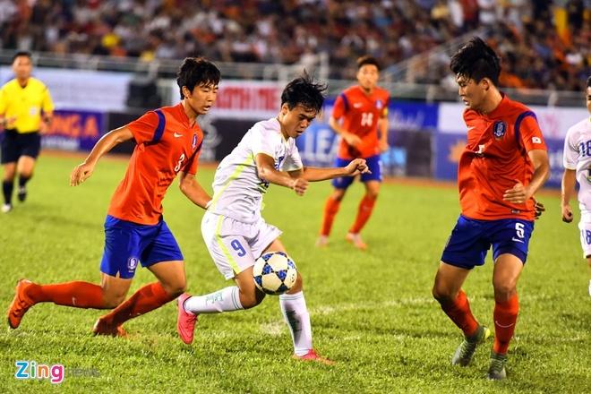 Cong Phuong va dong doi be tac trong vong vay U19 Han Quoc hinh anh 6