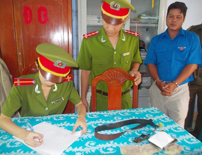 Quang Ngai quyet loai can bo tham nhung hinh anh
