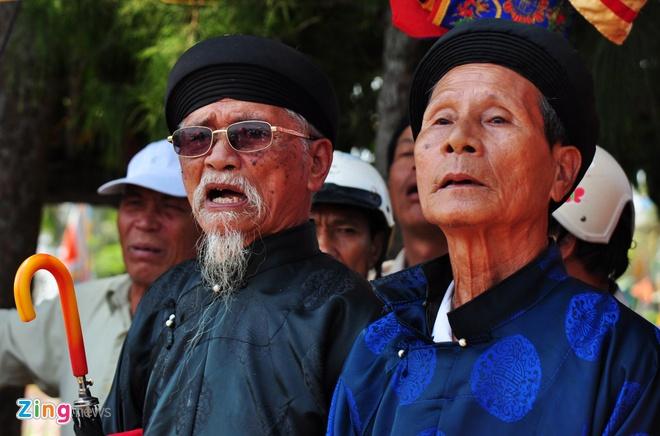 Dua thuyen dau xuan tri an Hai doi Hoang Sa hinh anh 6