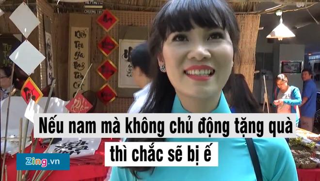 Tai sao nam gioi luon phai tang qua? hinh anh