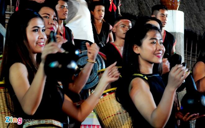 Le hoi Tay Nguyen truyen lua trong dem cong chieng hinh anh 10