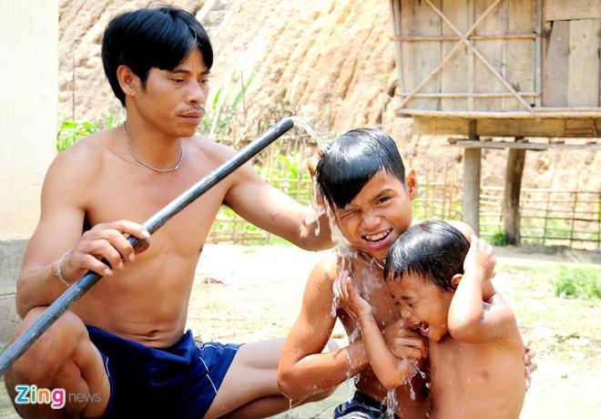 Lang biet thu o Quang Ngai doi dien nguy co doi ngheo hinh anh 10