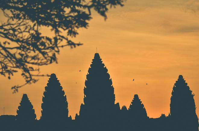 5 ngoi den huyen bi trong quan the Angkor hinh anh