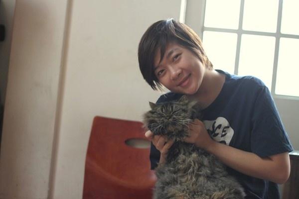 Nhung 9X bao gan bo hoc va kinh doanh phat dat hinh anh 2 Huyền Hương là người đầu tiên mở loại hình cà phê mèo ở Hà Nội