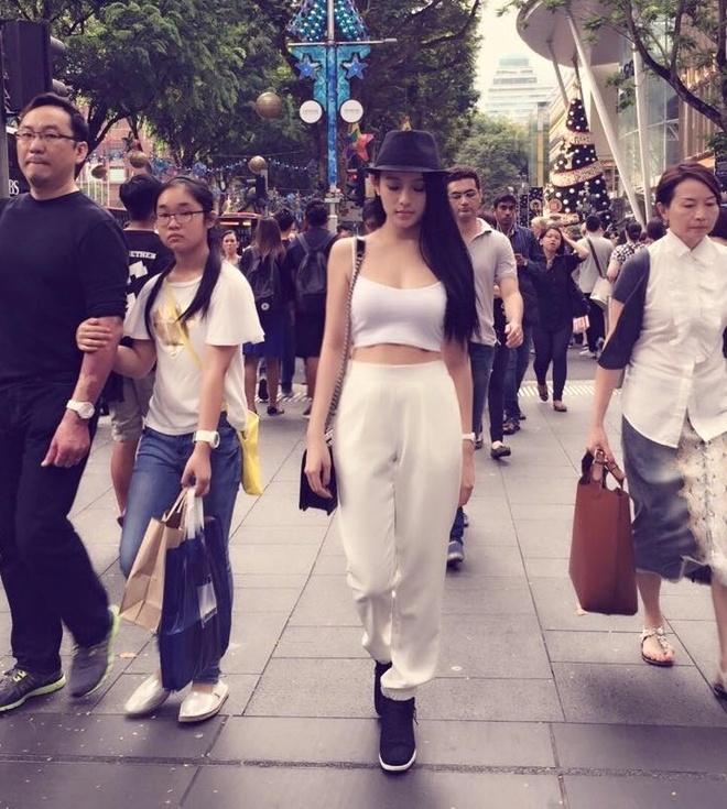 Facebook hot girl tuan qua: Mie hanh phuc ben JVevermind hinh anh 1