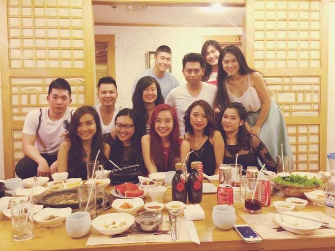 Facebook hot girl tuan qua: Mie hanh phuc ben JVevermind hinh anh 15
