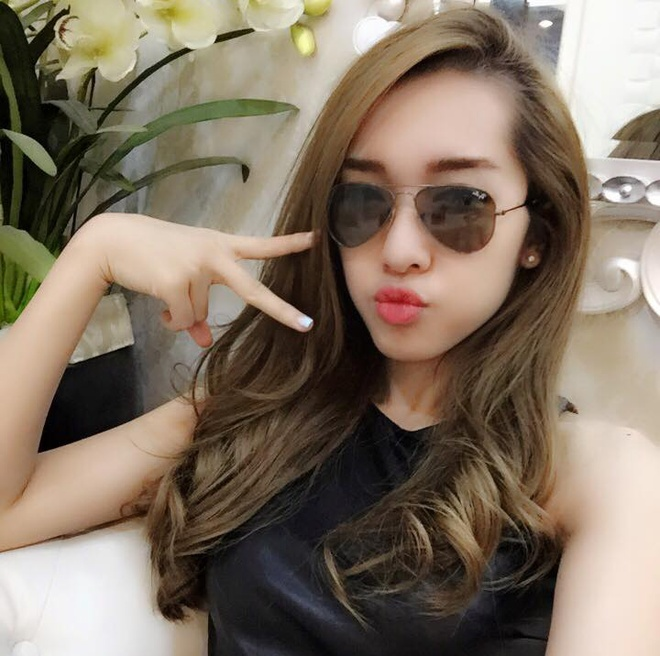 Facebook hot girl tuan qua: Sam dien vay hoa tiet trong suot hinh anh 5