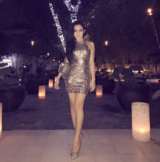 Facebook hot girl tuan qua: Sam dien vay hoa tiet trong suot hinh anh 10