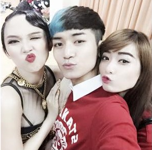 Truong nhom hai BB&BG cung Kim Nha di ung ho Toc Tien hinh anh
