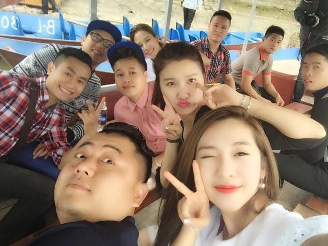 Facebook hot girl tuan qua: Chi Pu leo len vai ban dien hinh anh 5