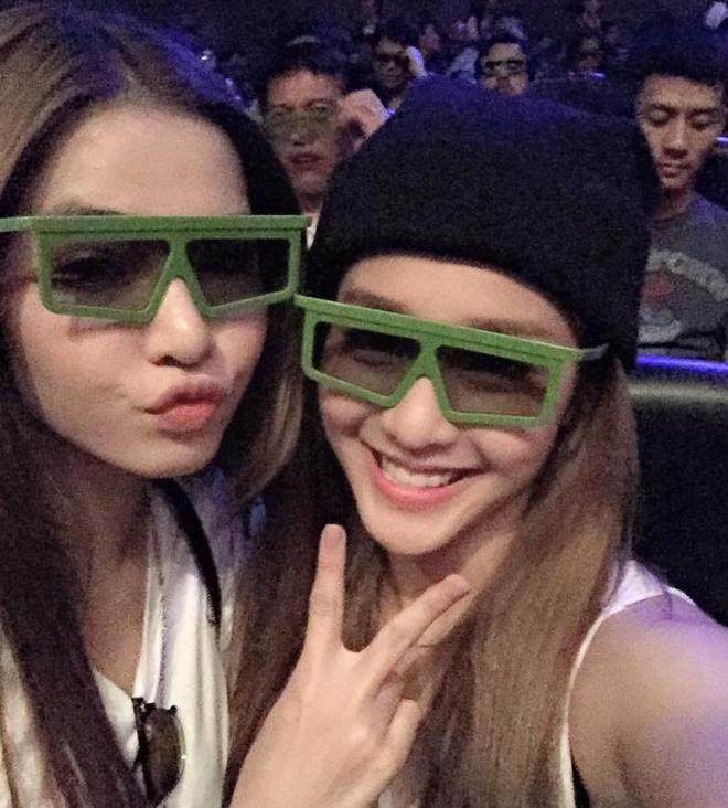 Facebook hot girl tuan qua: Chi Pu leo len vai ban dien hinh anh 10