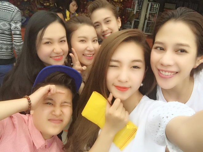 Facebook hot girl tuan qua: Chi Pu leo len vai ban dien hinh anh 6