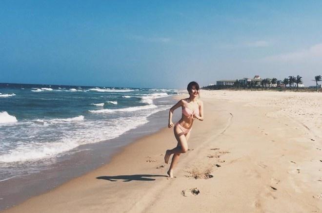 Hot girl Viet khoe dang thon gon voi bikini hinh anh 4