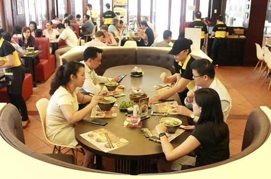 Chu to pho khong lo: Kinh doanh phai ban cai thi truong can hinh anh 1