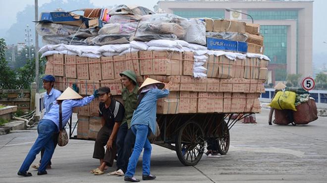 TQ pha gia dong nhan dan te: Xuat khau hang Viet them kho hinh anh