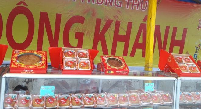 Banh Trung thu ban som 3 thang o Sai Gon hinh anh