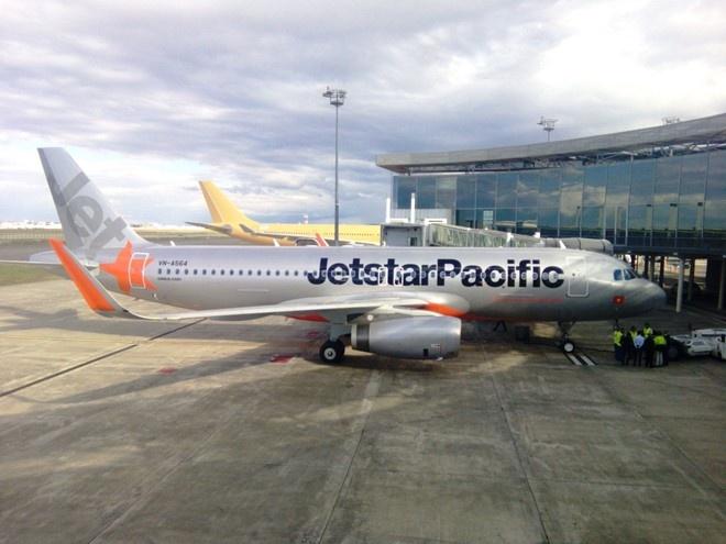 Jetstar Pacific lien tuc cham huy chuyen bay anh 1