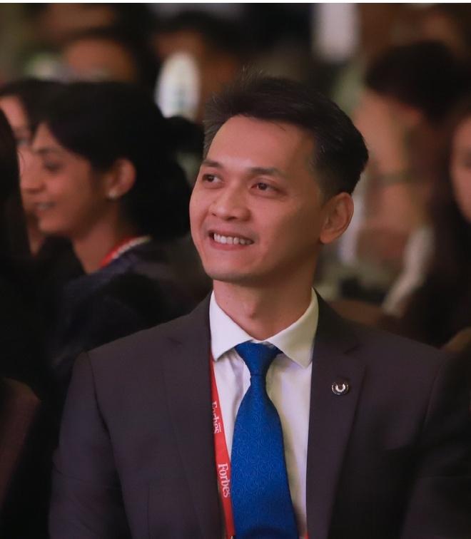 Chu tich ACB Tran Hung Huy: Toi da ke nghiep ma chua chuan bi gi ca hinh anh
