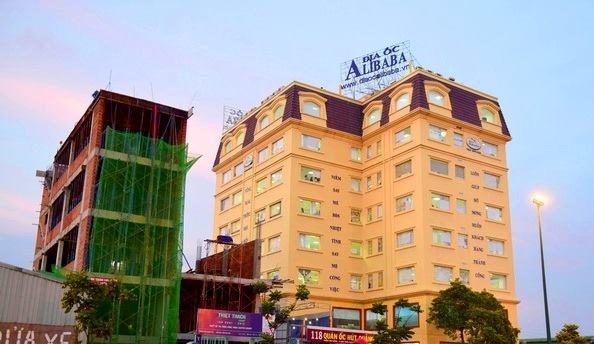 Ban du an 'banh ve': Khach hang tinh khoi kien dia oc Alibaba hinh anh