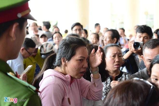 nguoi dan Thu Thiem gap Bi thu Nguyen Thien Nhan anh 7