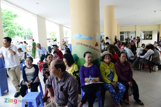 nguoi dan Thu Thiem gap Bi thu Nguyen Thien Nhan anh 10
