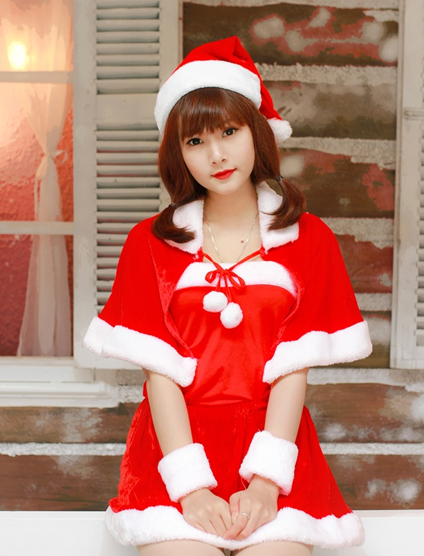 'Ba gia Noel' vai tran, vay ngan giua gia ret Ha Noi hinh anh 9