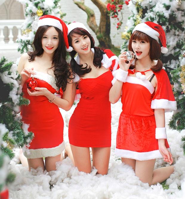 'Ba gia Noel' vai tran, vay ngan giua gia ret Ha Noi hinh anh 2