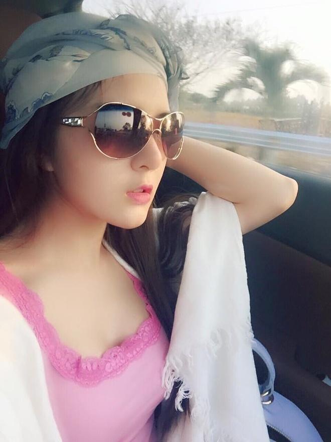 Hot girl 24/2: Nguoi co choi Tet, ke bat tay lam viec hinh anh 4