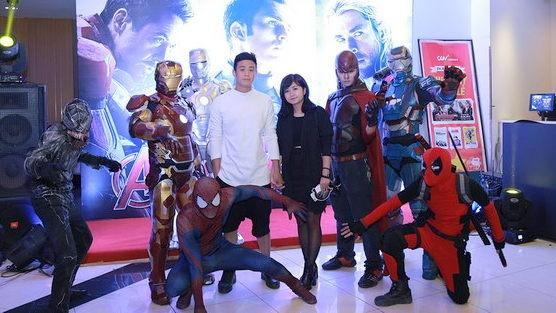 Hot girl, hot boy hoi ngo chao don biet doi The Avengers hinh anh 3