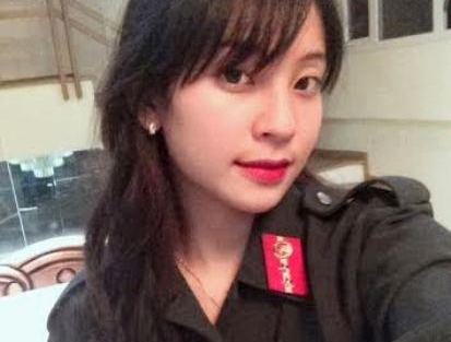 Nhan sac hot girl Yen Bai trong trang phuc canh sat hinh anh