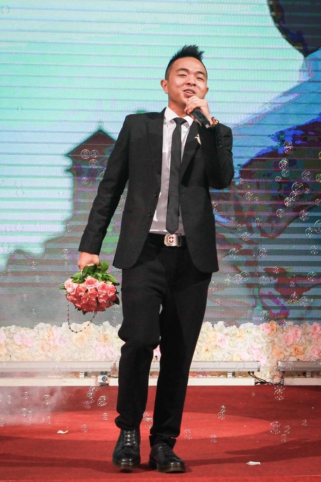 Hoang Rapper bat ngo nhac bong Phuc Bo trong le cuoi hinh anh 8