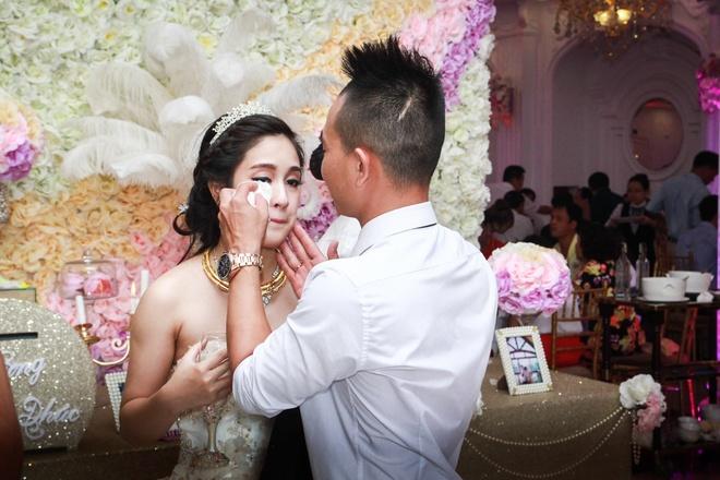 Hoang Rapper bat ngo nhac bong Phuc Bo trong le cuoi hinh anh 13