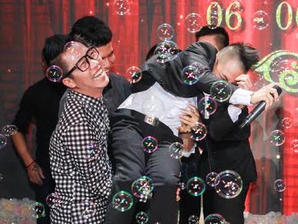 Hoang Rapper bat ngo nhac bong Phuc Bo trong le cuoi hinh anh