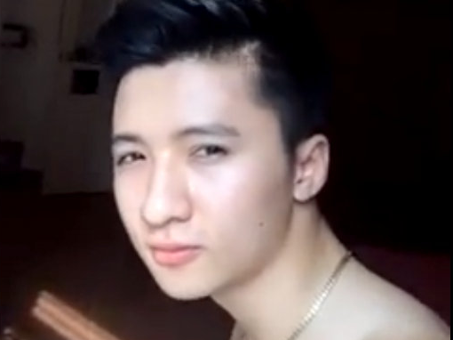Hot boy Viet gay chu y qua clip cover 'Twerk It Like Miley' hinh anh