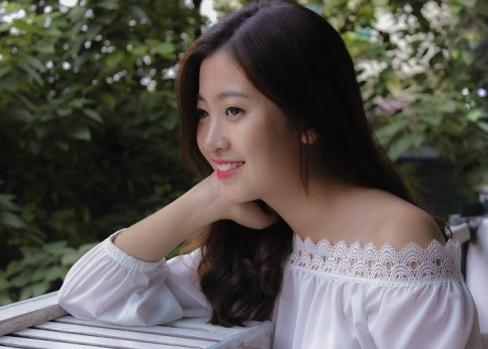 Miss Bao chi tung bi liet day than kinh mat hinh anh 10