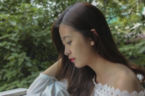 Miss Bao chi tung bi liet day than kinh mat hinh anh 9