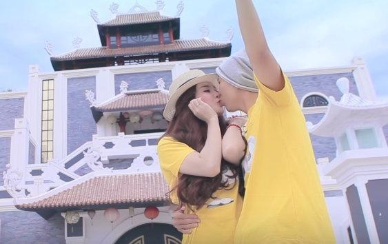 Clip 'Am tham ben em' cua cap doi Duc Anh - Huyen Trang P2