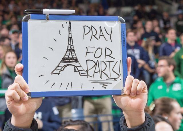 Du hoc sinh hoan moi ke hoach sau khung bo o Paris hinh anh