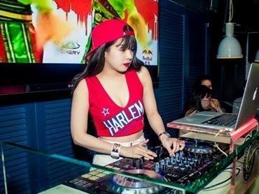 Goc khuat nghe DJ hinh anh