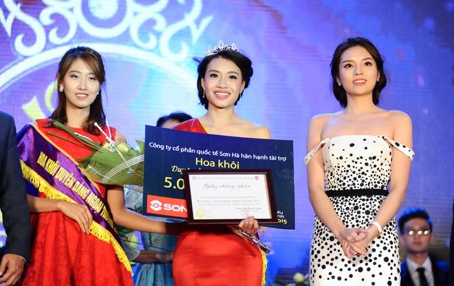 Hoa khoi Ngoai thuong vui khi duoc so sanh voi HH Pham Huong hinh anh 1