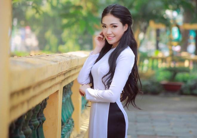 Nu du hoc sinh Viet khoe dang chuan trong vong thi cuoi hinh anh 8