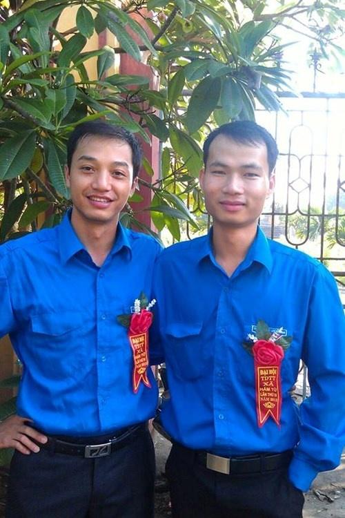 Phạm Văn Thành, bên phải.