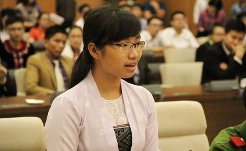 Nu sinh dan toc Muong hoc bang den dau de tro thanh bac si hinh anh 1 Bùi Thị Bích Liên vinh dự được gặp mặt lãnh đạo Đảng, Nhà nước.