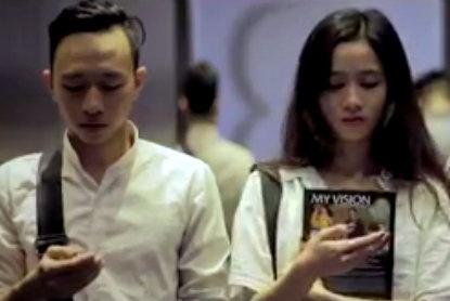 'Can benh thoi dai' mang ten smartphone hinh anh
