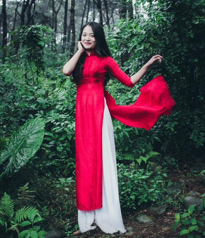 Top 10 Miss Bao chi khoe dang trong trang phuc ao dai hinh anh 5