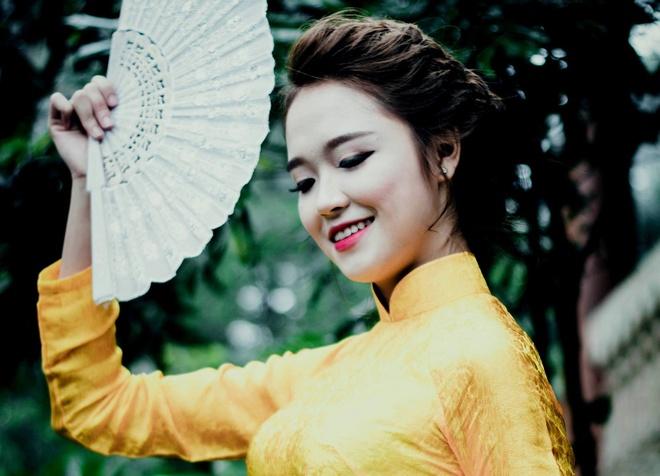 Top 10 Miss Bao chi khoe dang trong trang phuc ao dai hinh anh